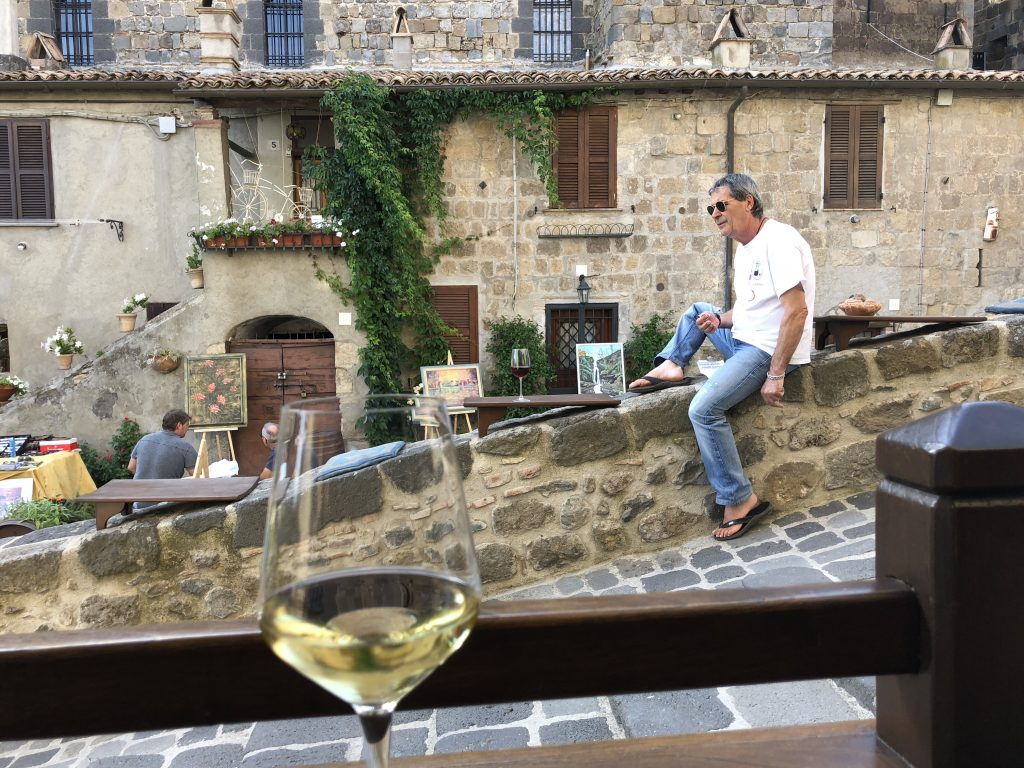 Wijn wandelen enoteca Bolsena